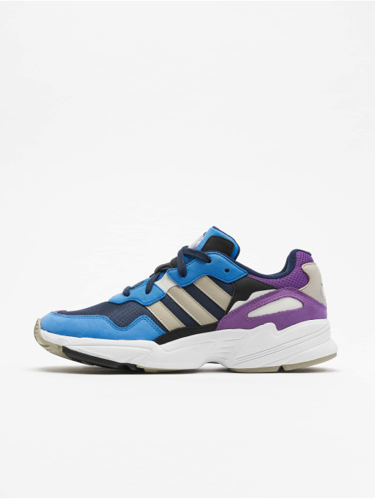 sneakers adidas bleu