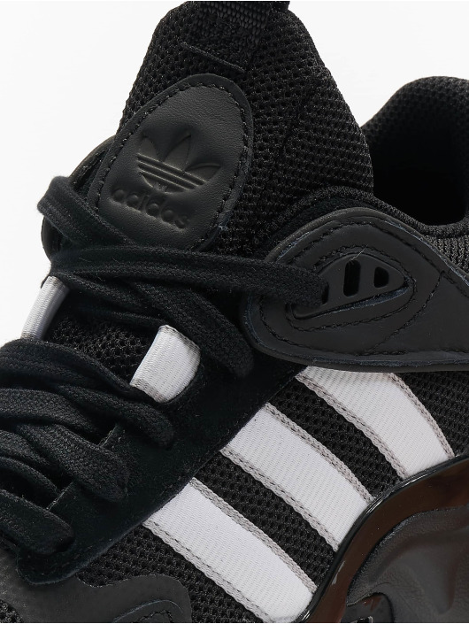 adidas originals Baskets Magmur Runner noir
