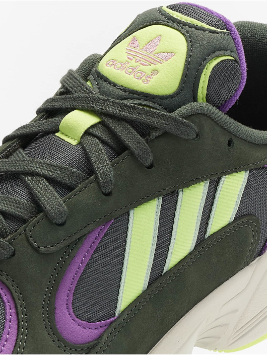 adidas originals Baskets Yung-1 vert