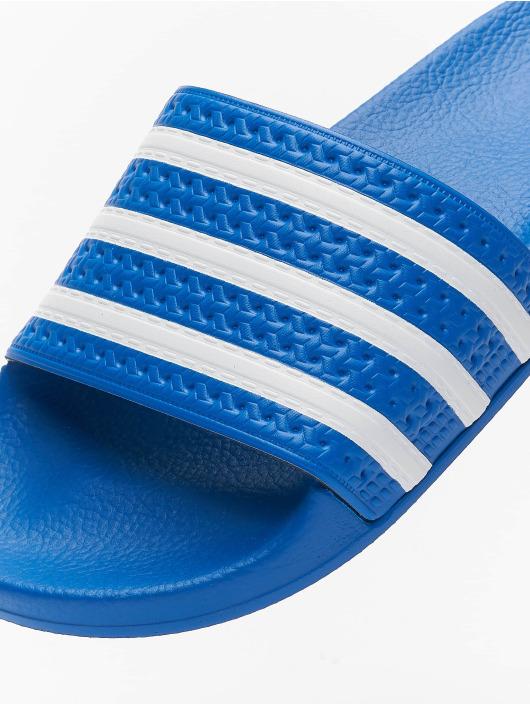 adidas Originals Claquettes & Sandales Adilette bleu