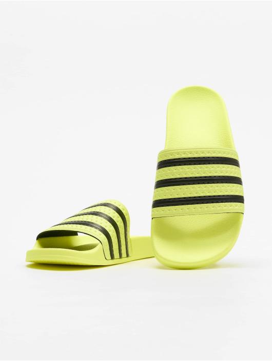 sports shoes 49447 54e12 ... adidas originals Claquettes   Sandales Adilette jaune ...