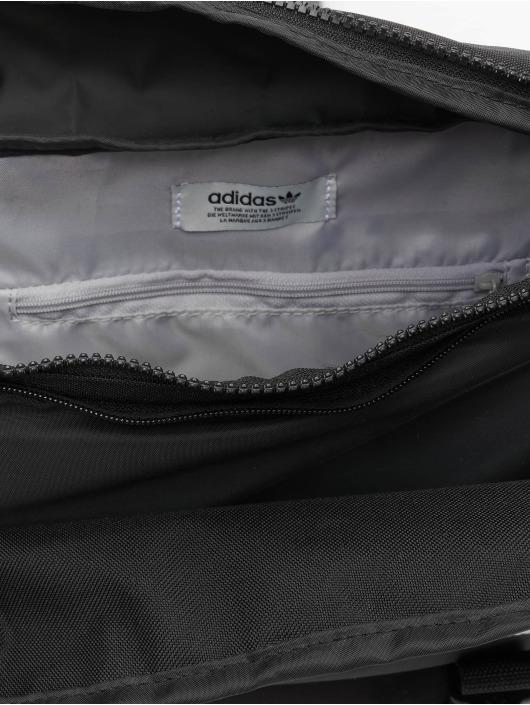 adidas Originals Kabelky Premium Essentials L èierna