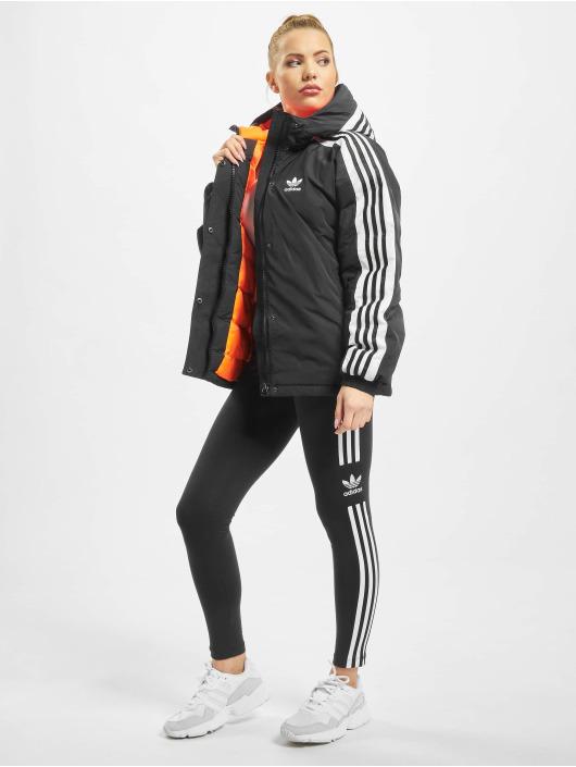 adidas Originals Kurtki zimowe Short Syn Down czarny