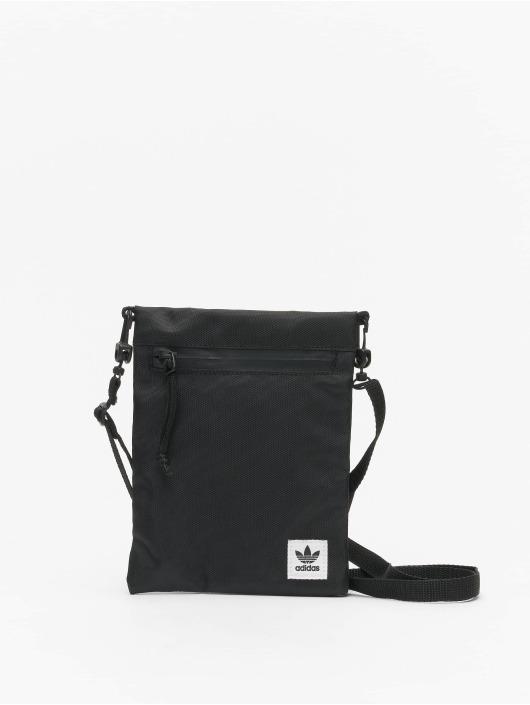 adidas Originals Portfele Simple Pouch M czarny