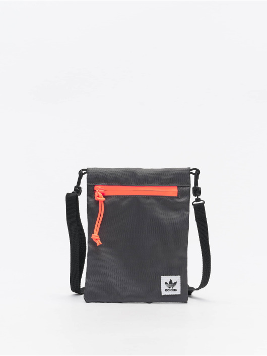 adidas Originals Portfele Simple Pouch M szary