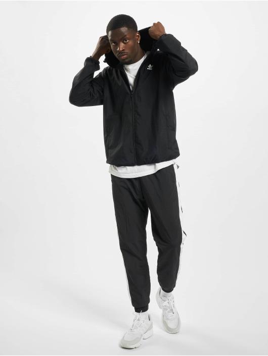 adidas Originals Prechodné vetrovky Essential èierna