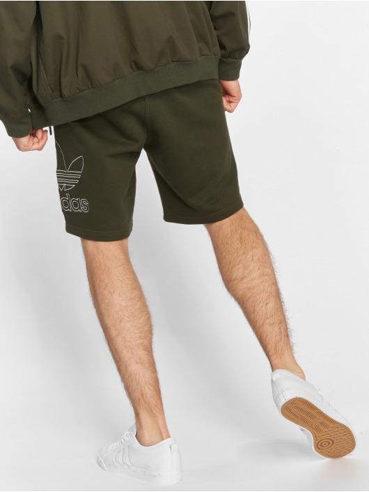 adidas originals Shorts Outline oliven
