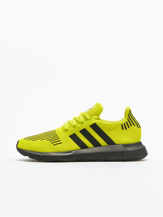 adidas Originals Swift Run Sneakers Semi Solar YellowCore BlackCarbon