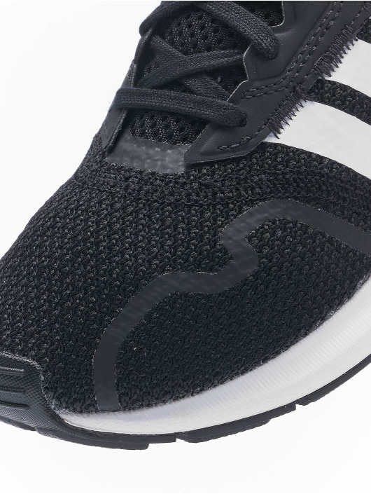 adidas Originals Sneakers Swift Run X C black