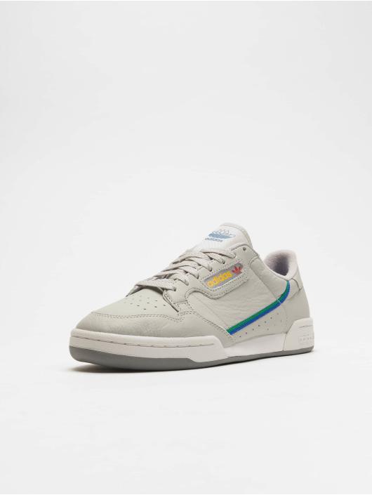 Nike Quest 2 SvartVit →【Stabila skor på Sportamore】