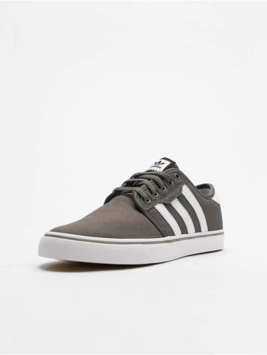 adidas originals Sneakers Seeley gray