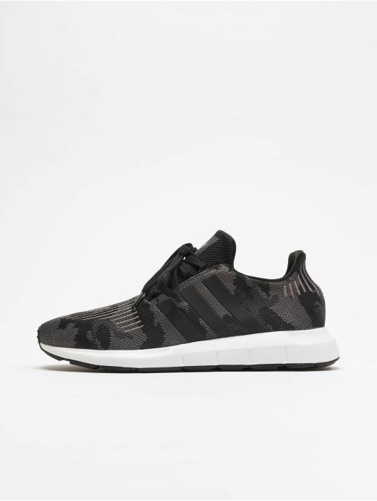 59d0016c6db adidas originals Sko / Sneakers Swift Run i sort 598570