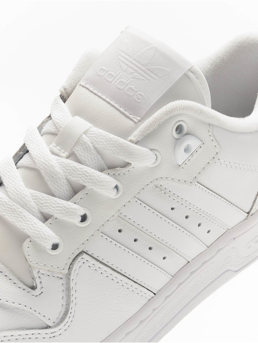 adidas Originals Sneakers Rivalry Low vit