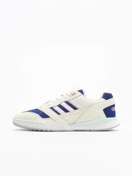 adidas originals Sneakers A.R. Trainer vit