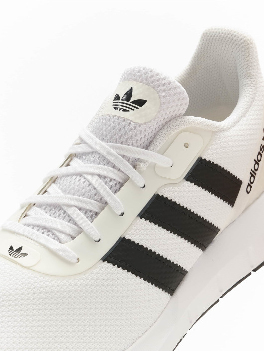 adidas Originals Sneakers Swift Run RF white