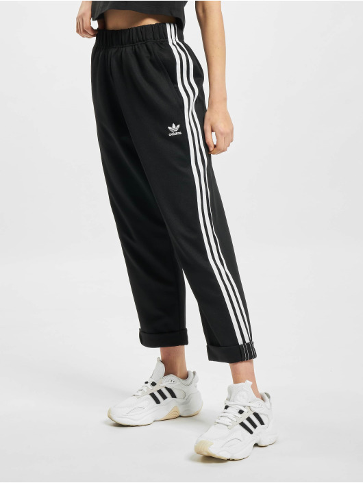 adidas Originals Spodnie do joggingu Relaxed Boyfriend czarny