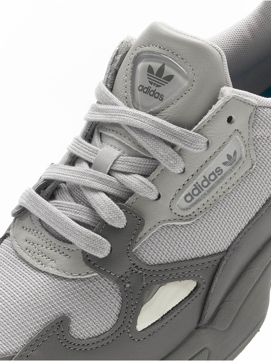 adidas Originals Tøysko Falcon grå