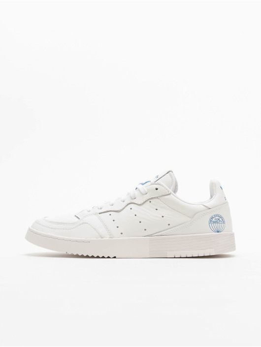 adidas Originals Tøysko Supercourt hvit
