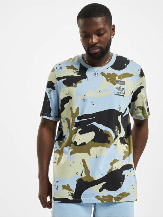 adidas Originals T-shirt Camo AOP blå