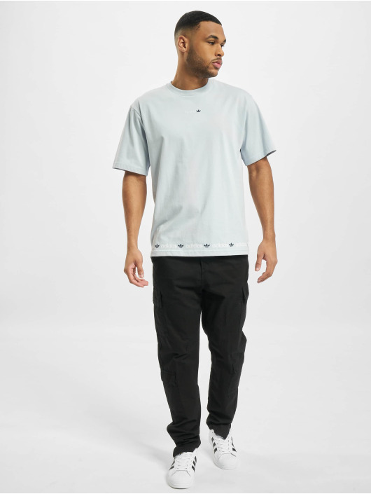 adidas Originals T-Shirt Linear Repeat blau