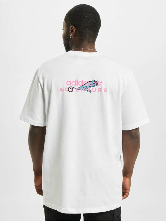 adidas Originals T-Shirt Adventure Pocket Logo weiß