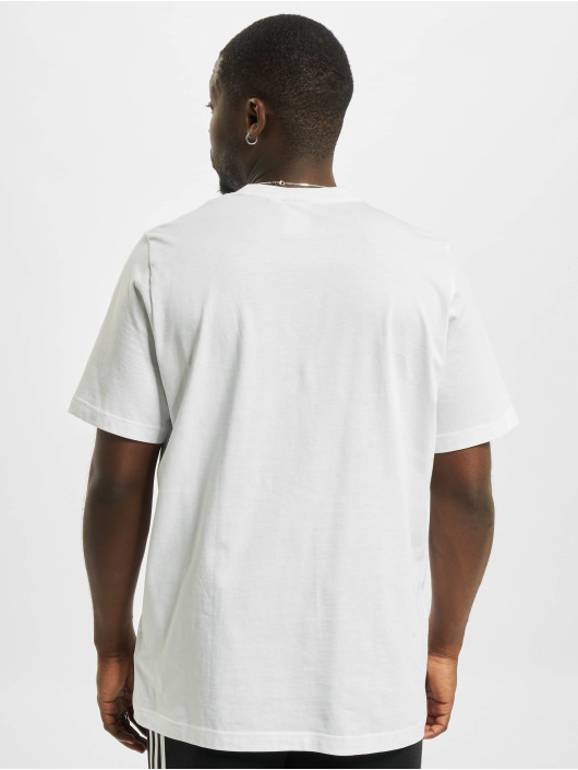 adidas Originals T-shirts Essential hvid