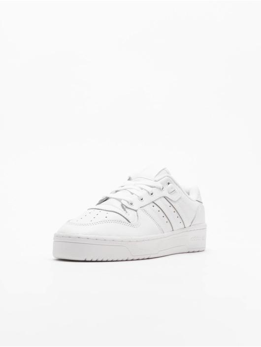 adidas Originals Tennarit Rivalry Low valkoinen
