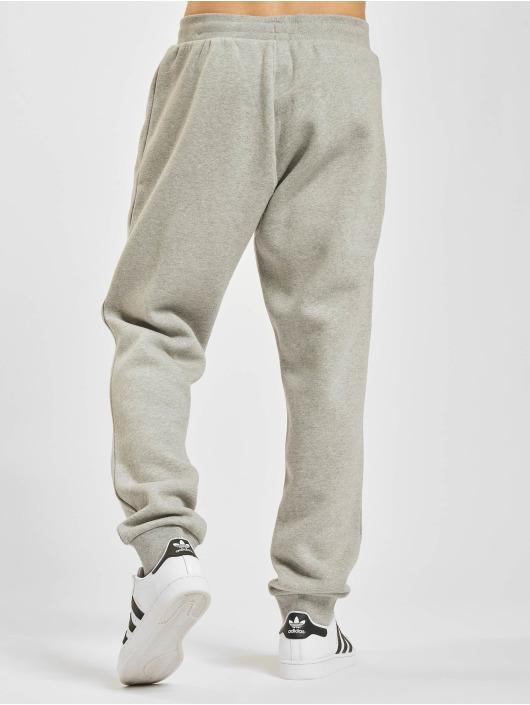 adidas Originals tepláky Essentials šedá