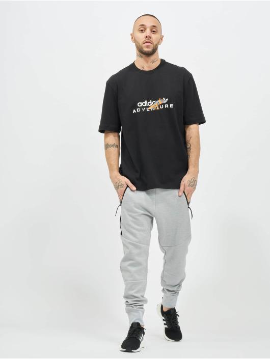 adidas Originals Tričká ADV Graphic èierna