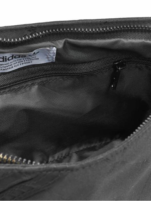 adidas Originals Vesker Mini Airliner svart