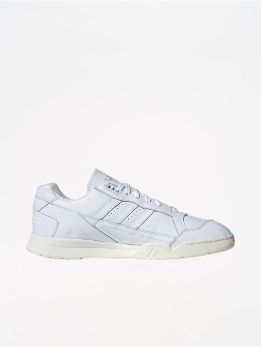 adidas Originals Zapatillas de deporte A.R. Trainer blanco