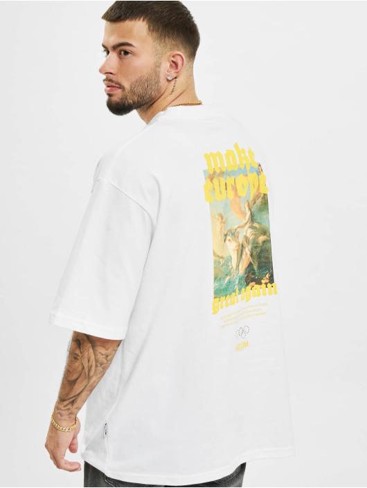 AEOM Clothing T-shirts M.E.G.A hvid