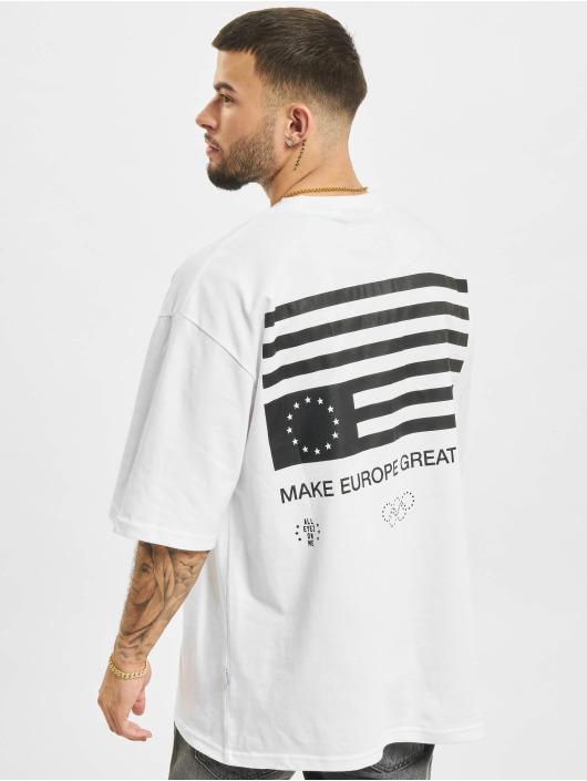 AEOM Clothing T-Shirty Flag bialy