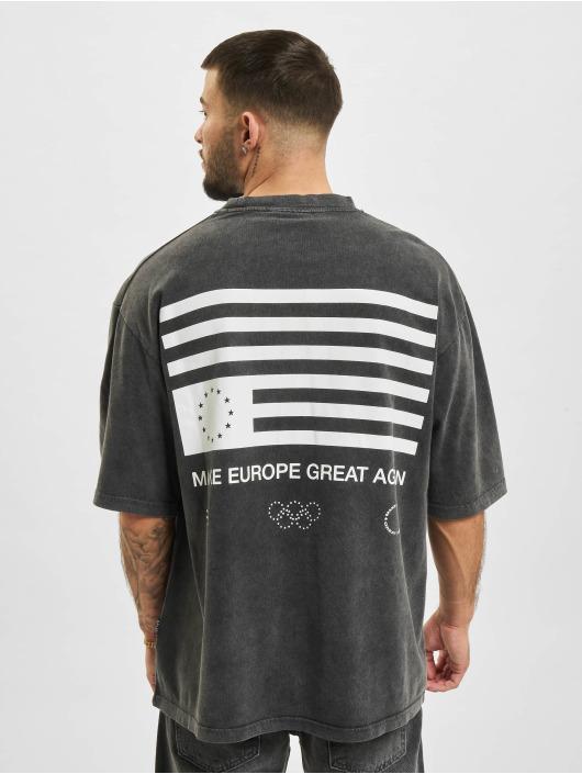AEOM Clothing Trika Flag šedá