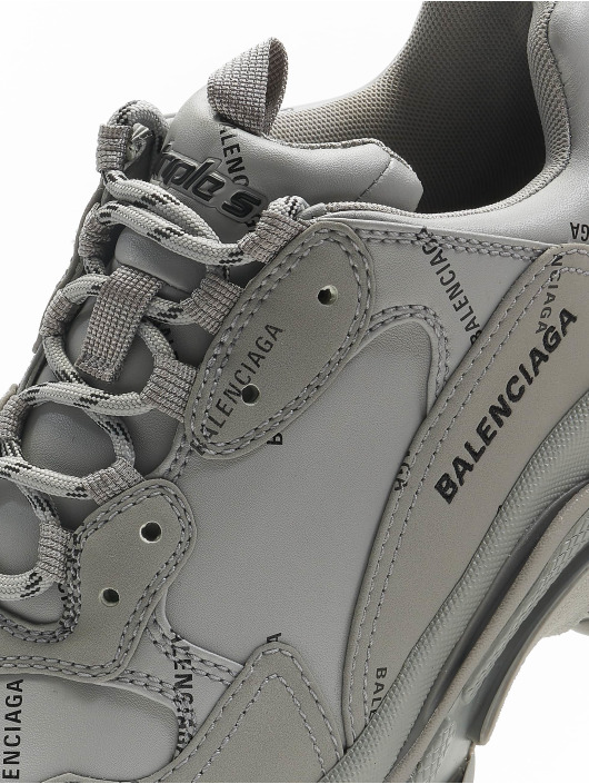 Balenciaga Сникеры Triple S серый