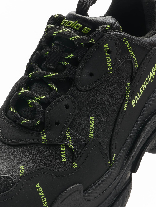 Balenciaga Sneakers Triple S sort