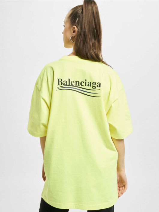 Balenciaga t-shirt Large Fit Politycal Logo geel