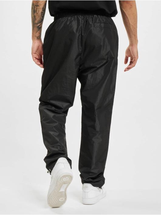BALR Spodnie do joggingu Rubber Badge Loose czarny