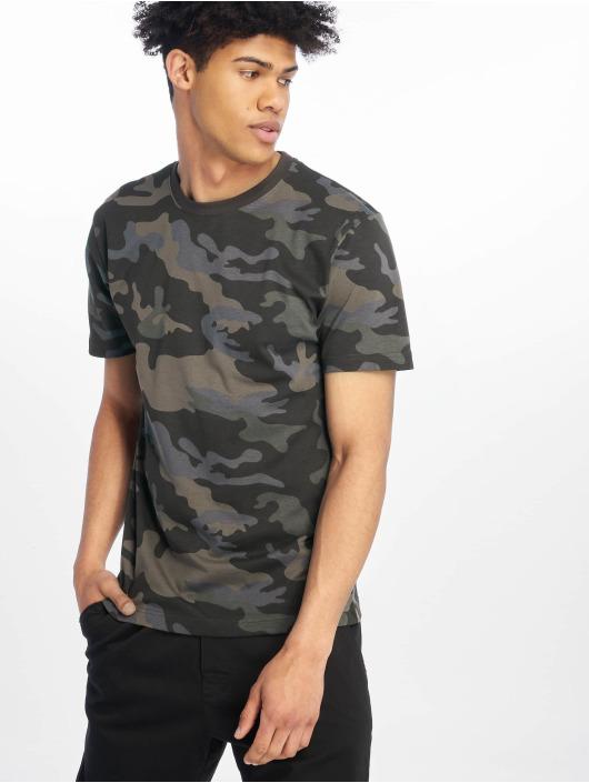 Brandit T-paidat Premium camouflage
