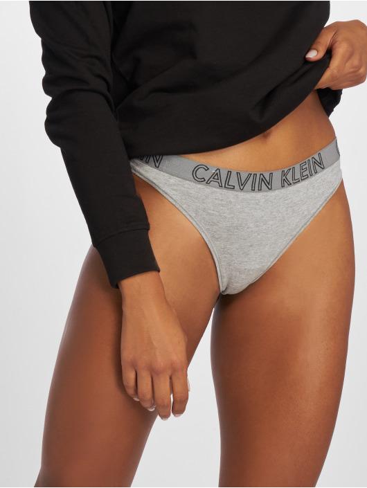 Calvin Klein Bielizna Ultimate String szary
