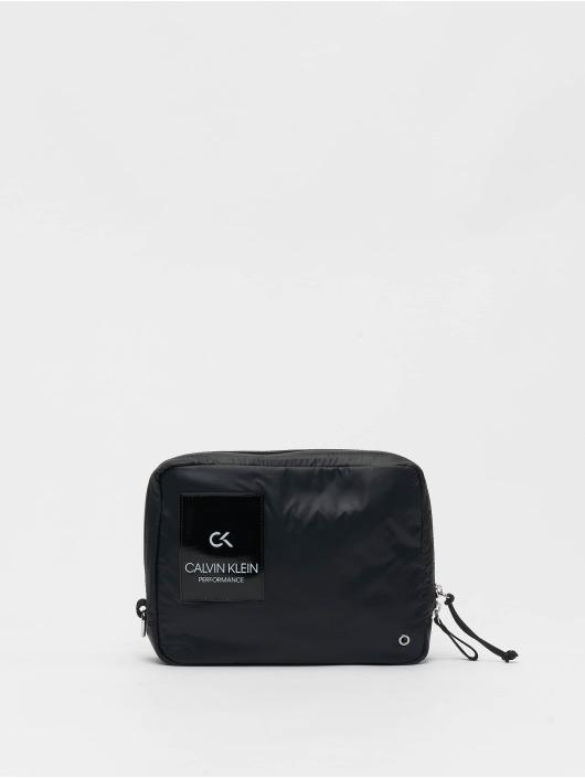 Calvin Klein Performance Tasche Zip schwarz