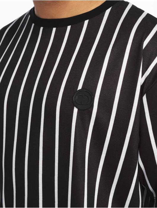 Criminal Damage T-Shirt Pin black