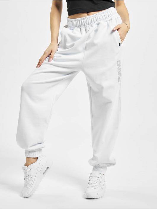 Dangerous DNGRS Sweat Pant Soft Dream Leila Ladys Logo white