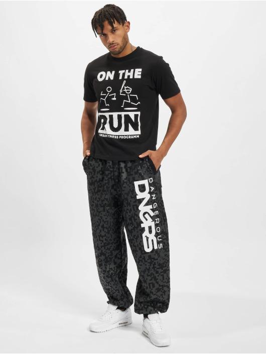 Dangerous DNGRS T-Shirt On The Run Basic schwarz