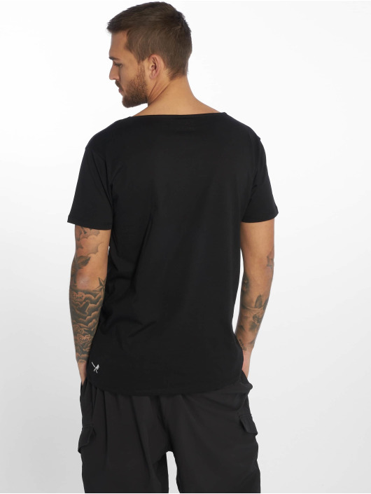 Distorted People T-Shirt Barber & Butcher Cutted Neck black