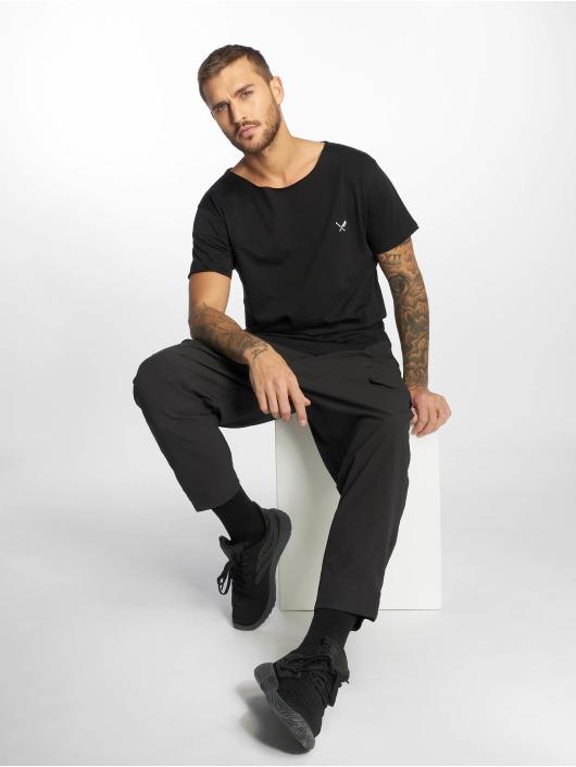 Distorted People T-skjorter Cutted Neck svart