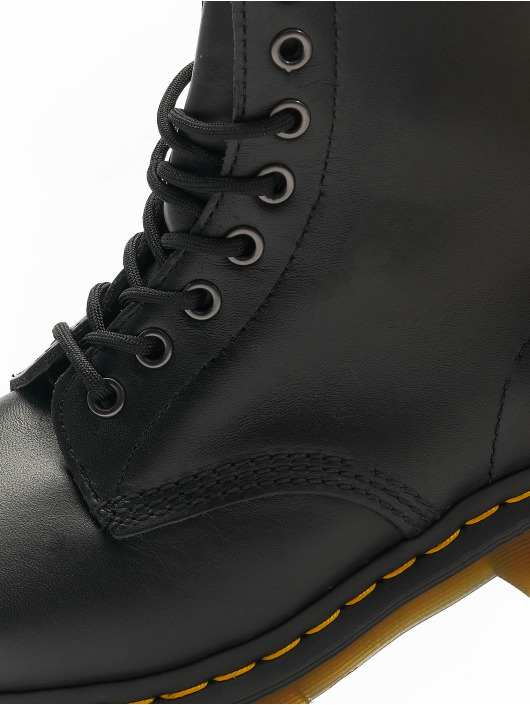 Dr. Martens Boots 1460 8 Eye black