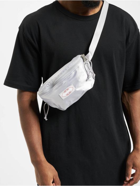 Eastpak Väska Springer silver