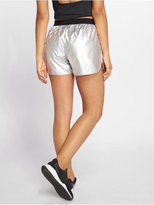 Ellesse Short Amorphous silver colored