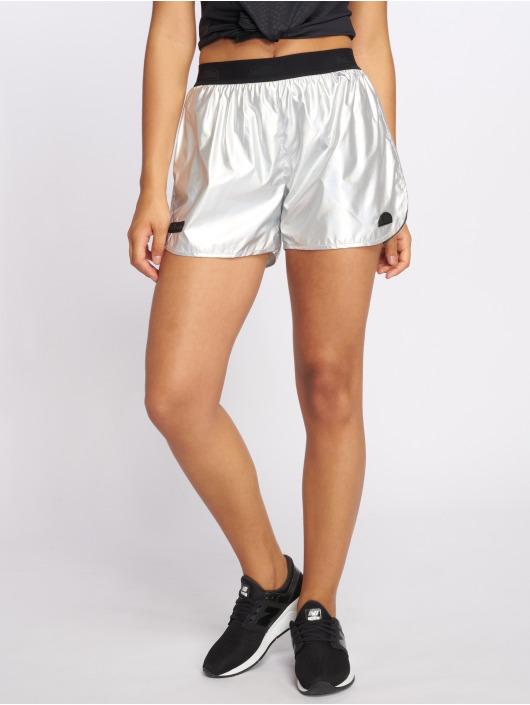 Ellesse shorts Amorphous zilver